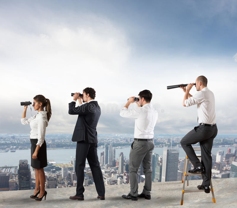 Bedrijfsmensen die aan de toekomst kijken royalty-vrije stock foto's