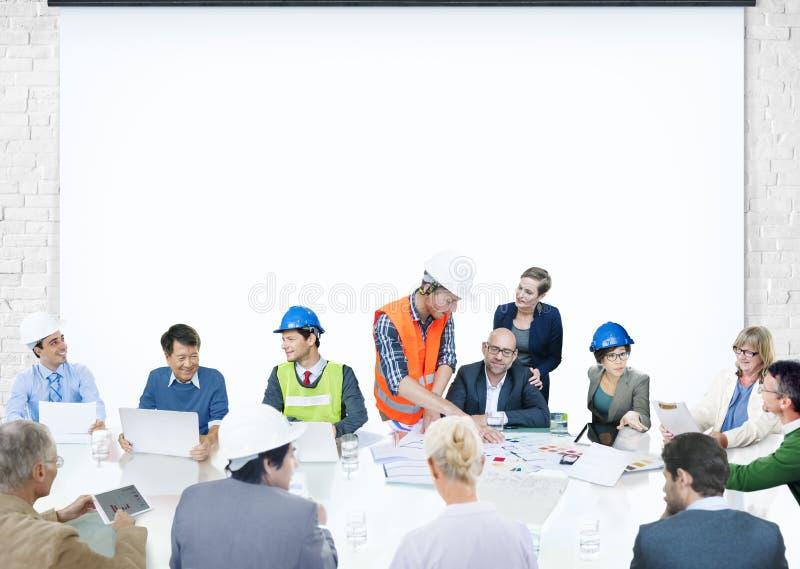 Bedrijfsmensen die Collectieve Presentatiearchitect Design ontmoeten stock foto