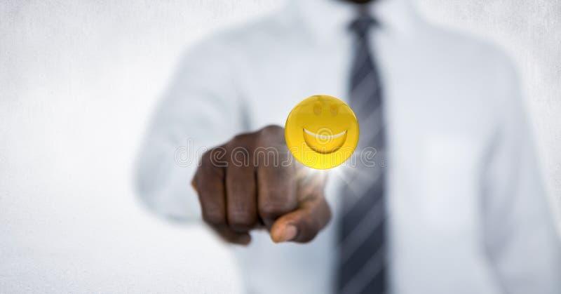 Bedrijfsmensen medio sectie wat betreft emoji met gloed tegen witte muur royalty-vrije illustratie
