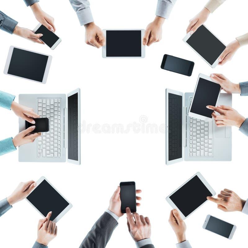 Bedrijfsmensen sociaal voorzien van een netwerk stock fotografie