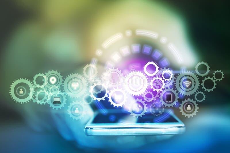 Bedrijfsmensenhand die slimme telefoon met toestellenpictogram houden, abstracte technologie Internet van dingen en sociale media stock foto