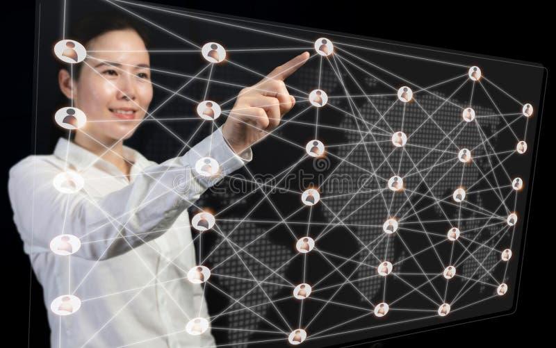 Bedrijfsontwikkeling aan succes en verbindend concept, mensen van de de interfaceverbinding van OnderneemsterPointing de virtuele stock afbeeldingen