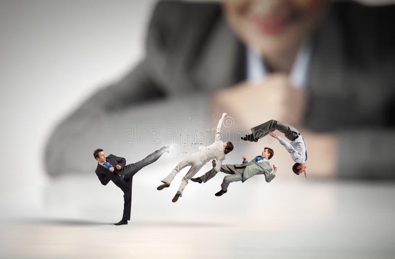 Bedrijfsstrijd als de concurrentieconcept stock foto's