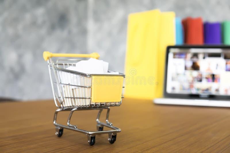 Bedrijfsthema, online het winkelen van Internet concept, het winkelen levering, royalty-vrije stock fotografie
