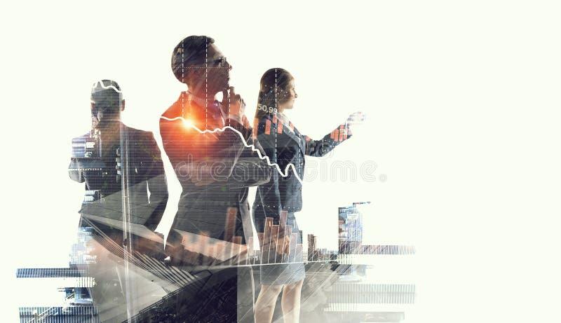 Bedrijfsvennootschap en succesconcept Gemengde media stock foto's