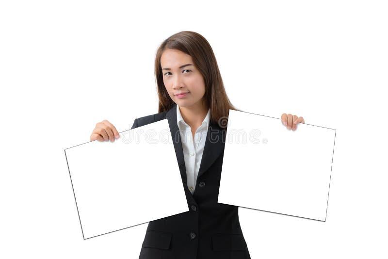 Bedrijfsvrouw die banner geïsoleerd twee houden royalty-vrije stock fotografie