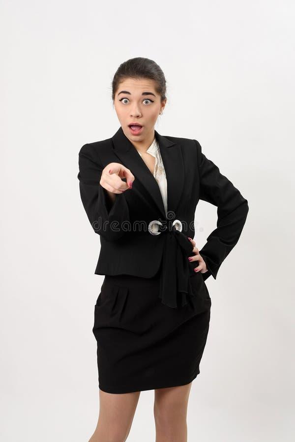 Download Bedrijfsvrouw Die Een Vinger Tonen Bij De Camera Stock Foto - Afbeelding bestaande uit jong, vrouw: 39109960