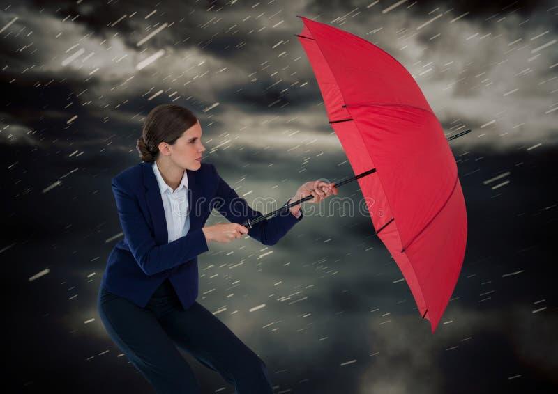 Bedrijfsvrouw met paraplu blokkerende regen tegen onweerswolken stock illustratie