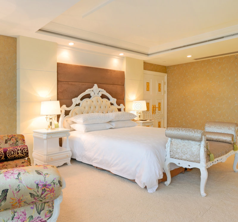 Free Bedroom Of Luxury Suite In Hotel Stock Photo - 8780230
