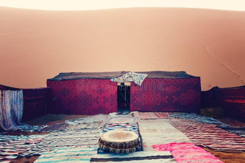 Beduiński koczownika namiotu obóz, erg Chebbi, Maroko obraz royalty free