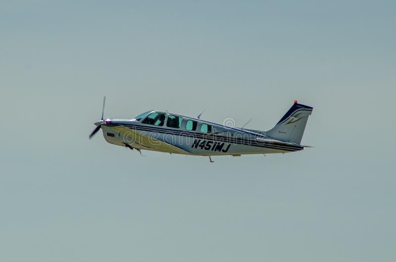 Beechcraft单引擎飞机 免版税库存图片