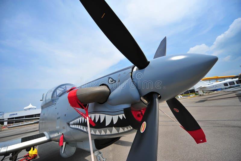 Beechcraftat-6 Texan II lichte vliegtuig van de aanvals enige schroefturbine op vertoning in Singapore Airshow royalty-vrije stock foto