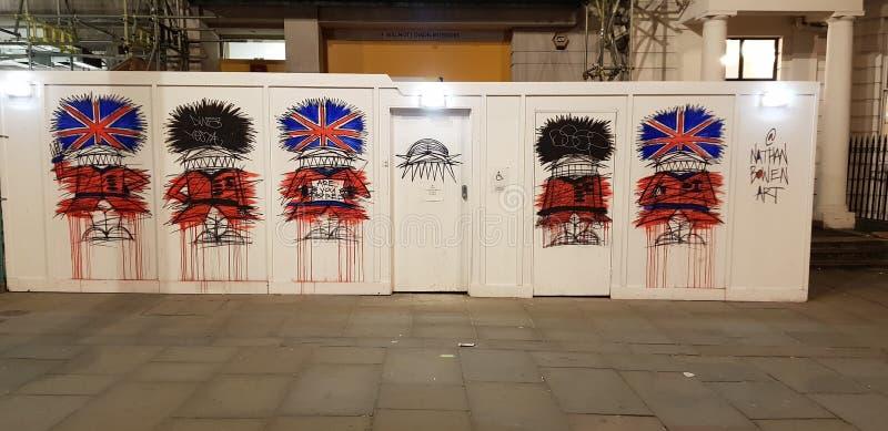 Beefeater dos grafittis de Londres fotos de stock royalty free