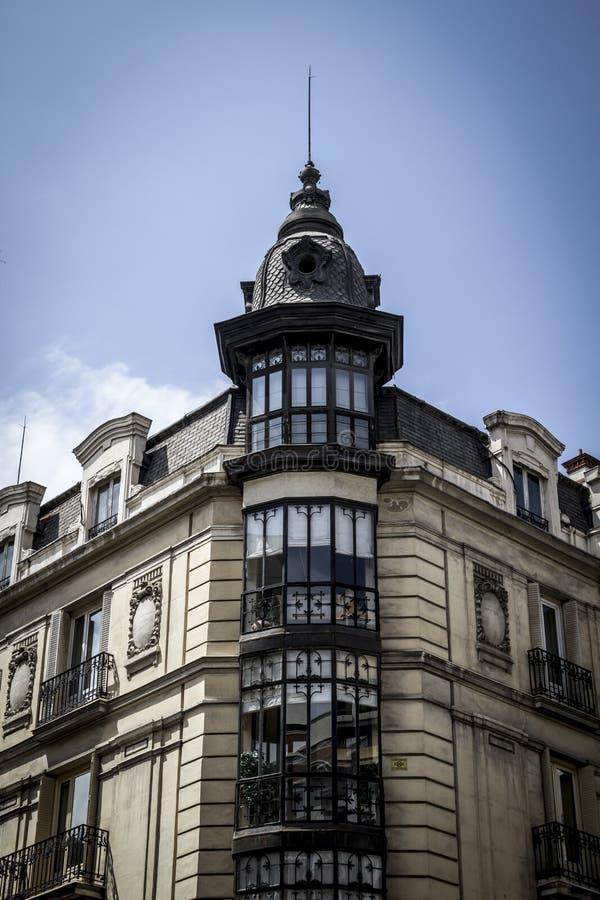 Beeld van de stad van Madrid, zijn kenmerkende architectuur stock foto