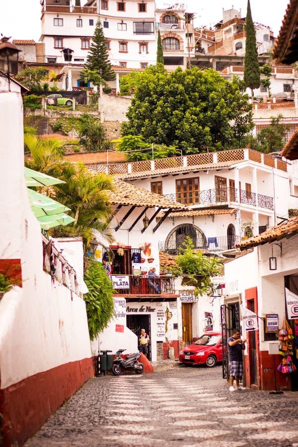 Beeld van de straat bij de kleurrijke stad van Taxco, Guerrero M royalty-vrije stock fotografie