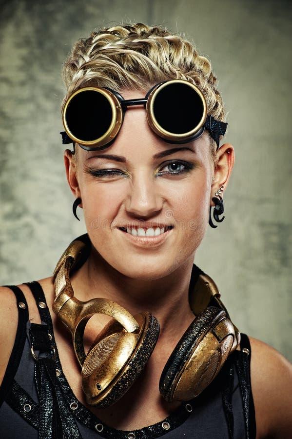 Beeld van een aantrekkelijk stoom punkmeisje. stock foto