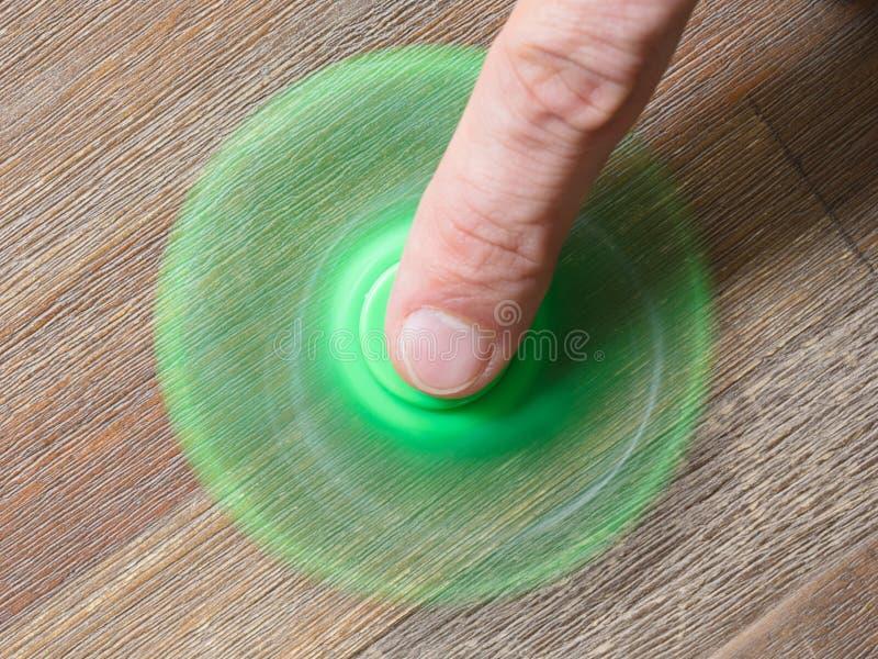 Beeld van Fidget de spanningsstuk speelgoed van de vingerspinner royalty-vrije stock foto's