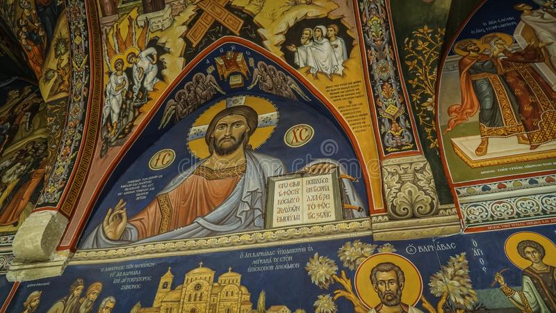 Beeld van heiligen op de muren van de Kerk van Cyprus stock foto's