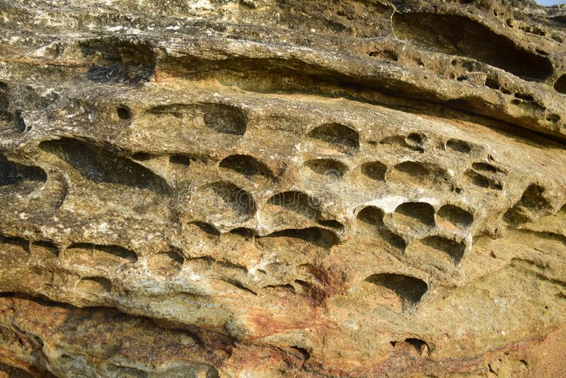 Beeld van rots dichtbij overzees royalty-vrije stock foto