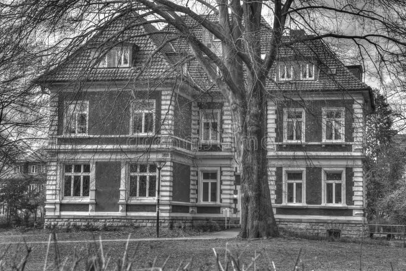 Beeld van spookhuis het zwart-wit hdr stock afbeelding