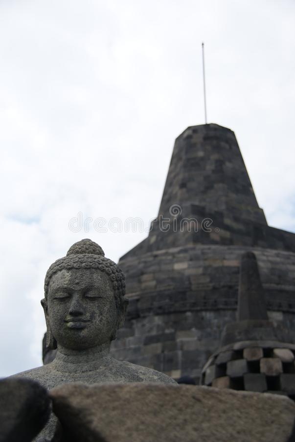 Beeld van zitting Boedha in Borobudur-Tempel, Jogjakarta, Indonesië stock afbeeldingen