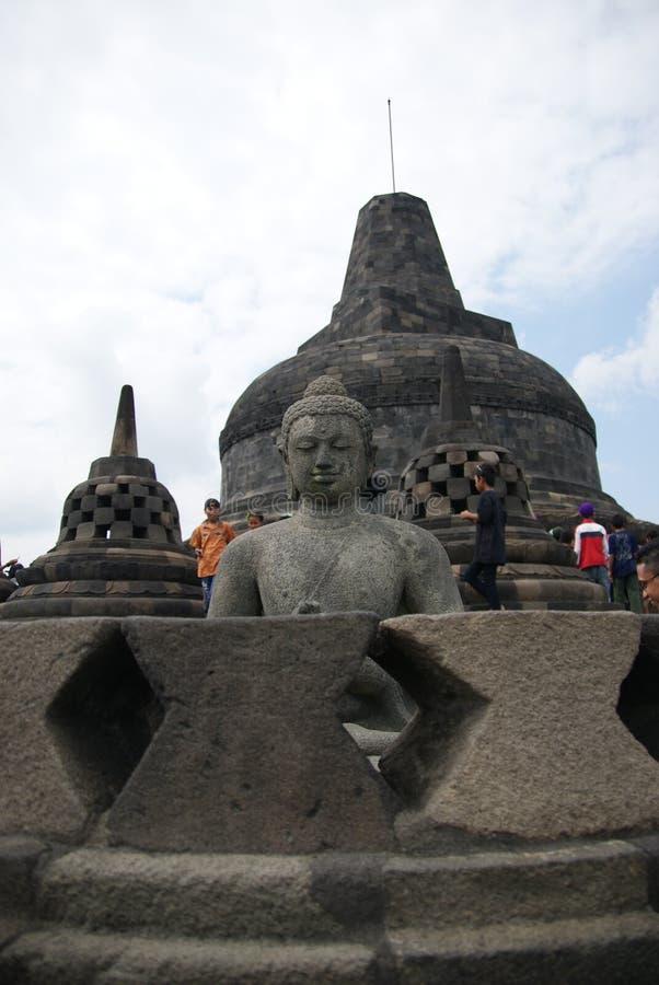 Beeld van zitting Boedha in Borobudur-Tempel, Jogjakarta, Indonesië stock afbeelding