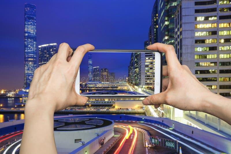 Beelden op mobiel de meningsverkeer van de smartphonenacht in Hong Kong royalty-vrije stock fotografie