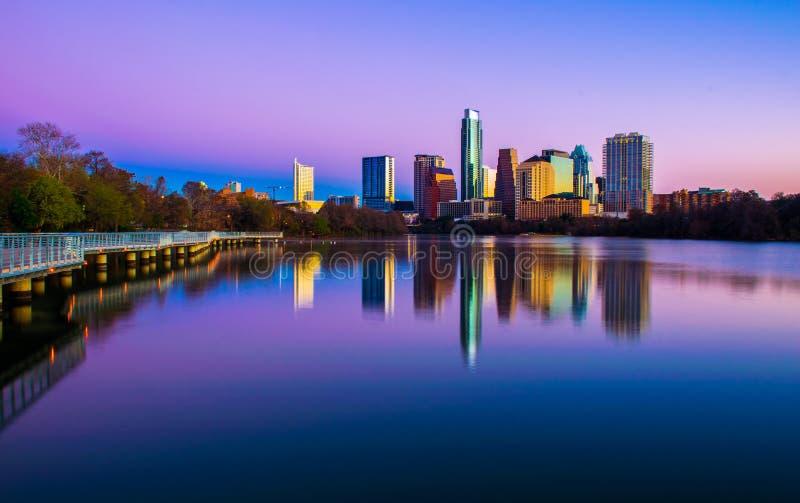 Beeldende kunstencityscape Austin Texas Skyline 2015 wijd royalty-vrije stock afbeelding