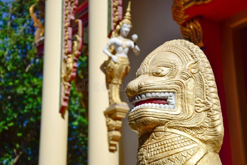 Beeldhouwwerk in Boeddhistisch royalty-vrije stock afbeelding