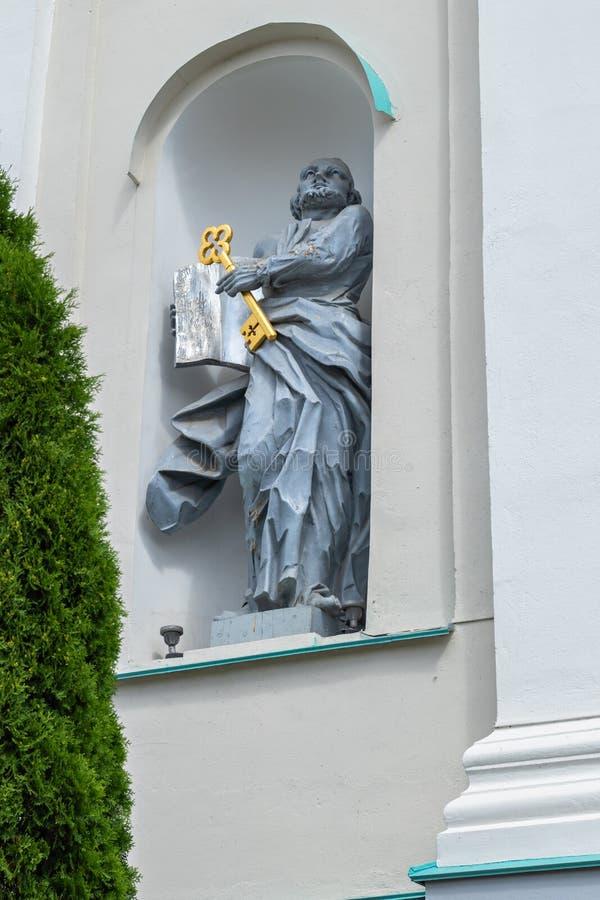 Beeldhouwwerk in de externe decoratie van de Kathedraal stock afbeeldingen