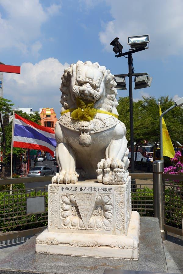 Beeldhouwwerk van leeuw in Bangkok stock afbeeldingen