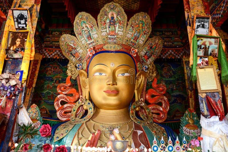 Beeldhouwwerk van Maitreya Boedha bij Thiksey-Klooster stock afbeelding