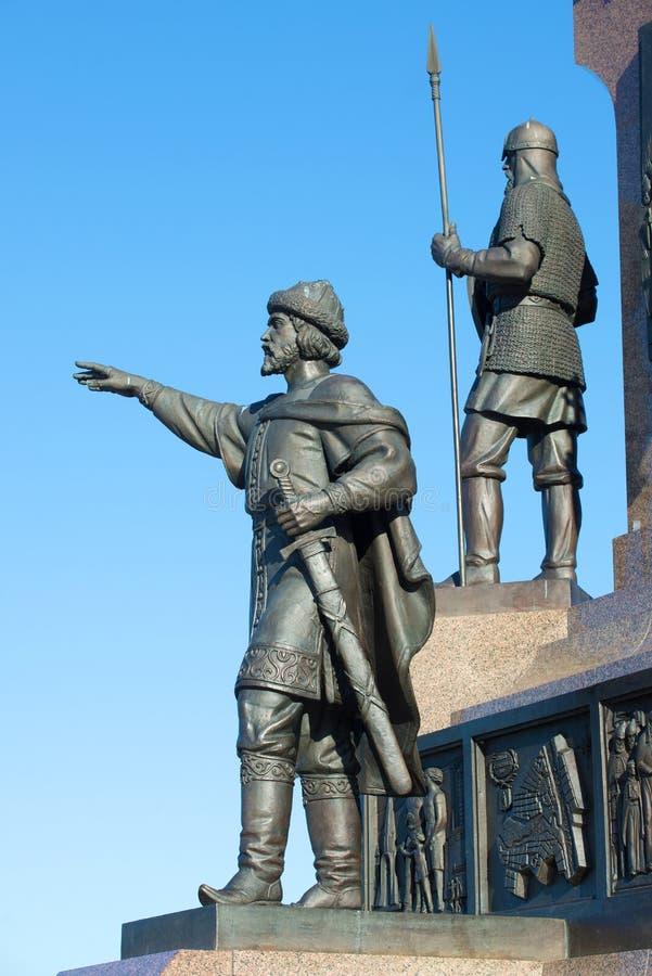 Beeldhouwwerk van Prins Yaroslav Wijs Een monument ter ere van de 1000ste verjaardag van Yaroslavl-stad Rusland stock afbeeldingen