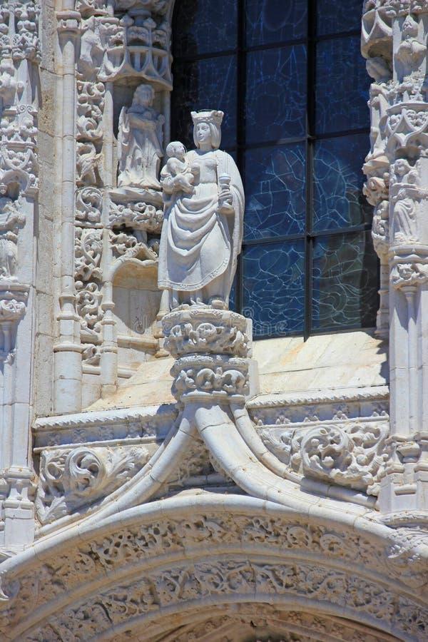 Beeldhouwwerken bij het portaal van jerónimos van mosteirodos van het jeronimosklooster in Belem, Lissabon, Portugal royalty-vrije stock afbeeldingen