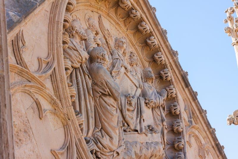 Beeldhouwwerken op de bovenkant van de Kathedraal van Santa Maria van Palma, als La Seu ook wordt bekend die stock afbeelding