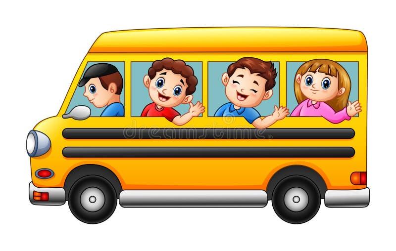 Beeldverhaaljonge geitjes die naar school door school bus gaan stock illustratie
