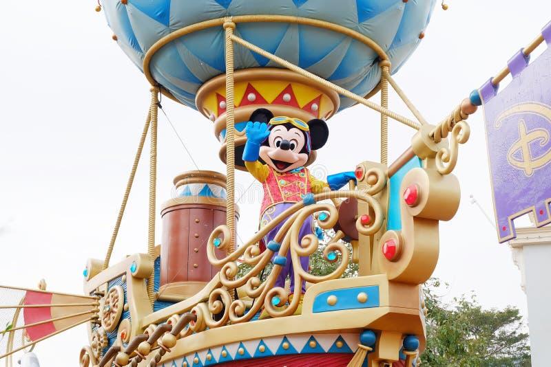 Beeldverhaalkarakter Mickey Mouse in Hong Kong Disneyland-parades stock fotografie