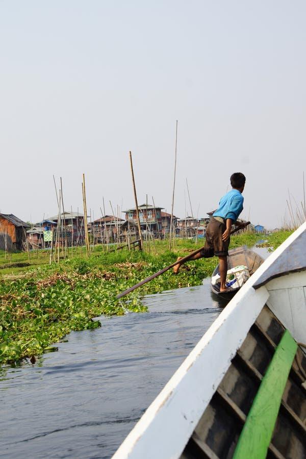 Been roeiende visser royalty-vrije stock foto