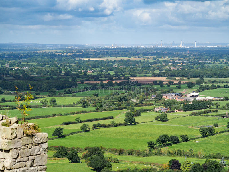 BEESTON, CHESHIRE/UK - SEPTEMBER 16 : View of the Cheshire Count. Ryside from Beeston Castle in Beeston Cheshire on September 16, 2016 royalty free stock image