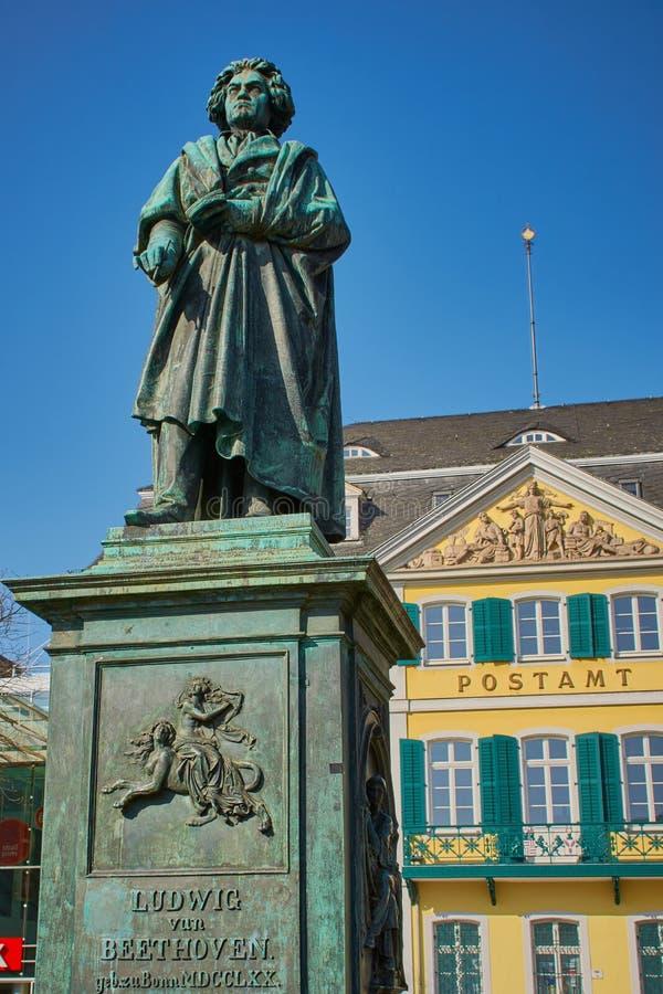 Beethovenskulptur i Bonn, Tyskland royaltyfri foto
