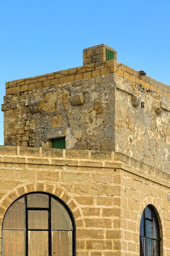 Befästningar av Malta - Qawra royaltyfria bilder