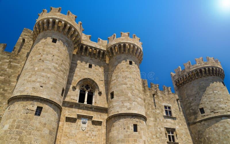 Befästningar och bröstvärn av den medeltida staden, Rhodes arkivbilder
