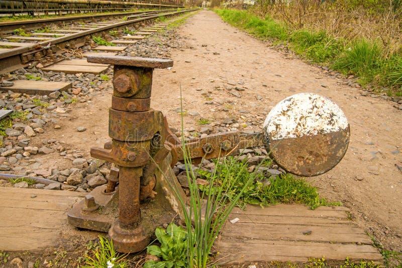 Befördert außer Betrieb, Schalter mit der Eisenbahn stockbild