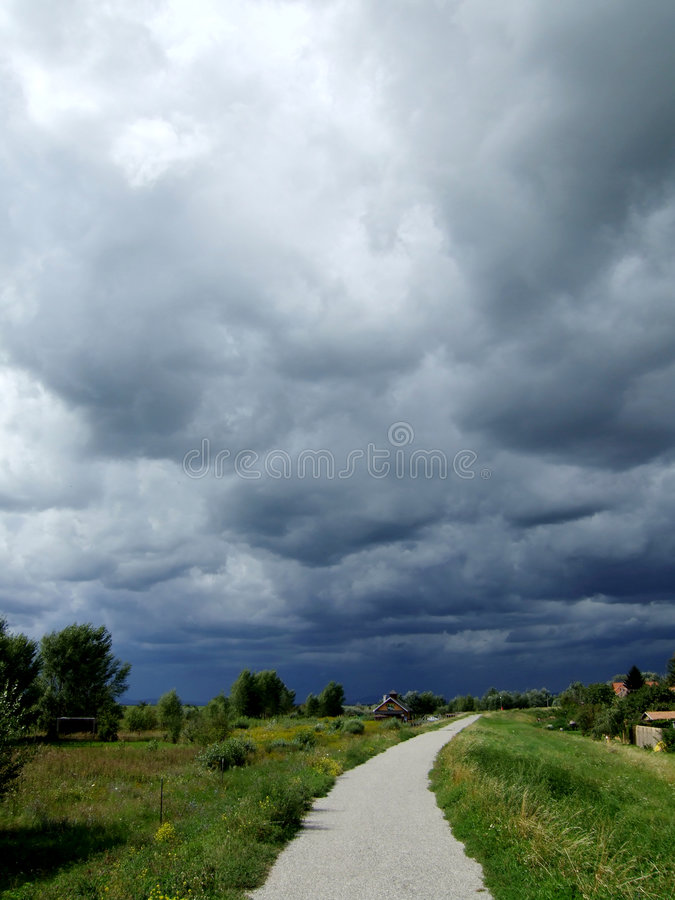 Free Before The Storm Royalty Free Stock Photo - 1335735