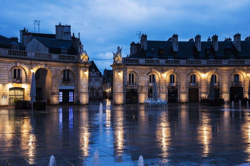 Befrielsefyrkant i Dijon royaltyfria foton