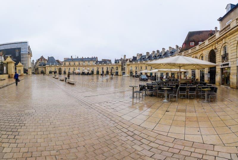 Befrielsefyrkantställe de la befrielse, i Dijon royaltyfri foto