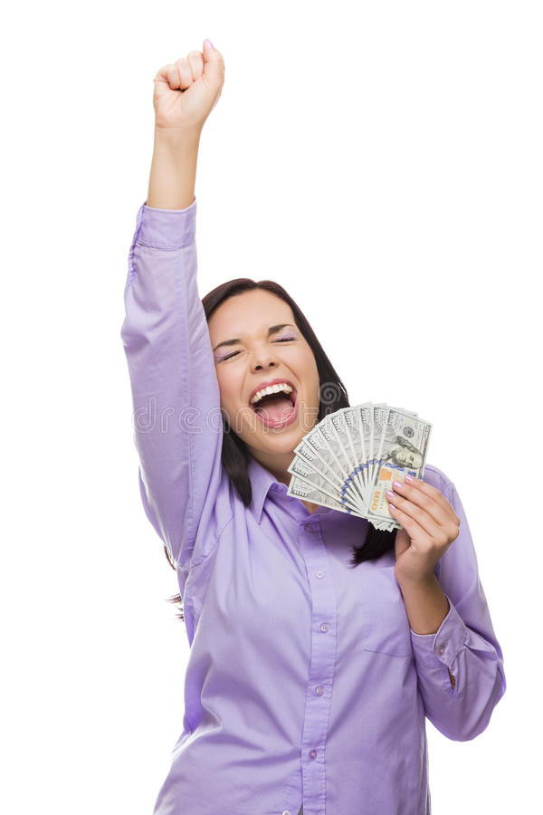 Begeisterte Mischrasse-Frau, die das Neue hundert Dollarscheine hält lizenzfreie stockfotografie