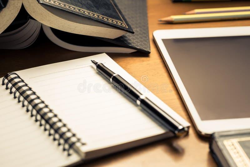Begin die online schrijven voor stock afbeeldingen