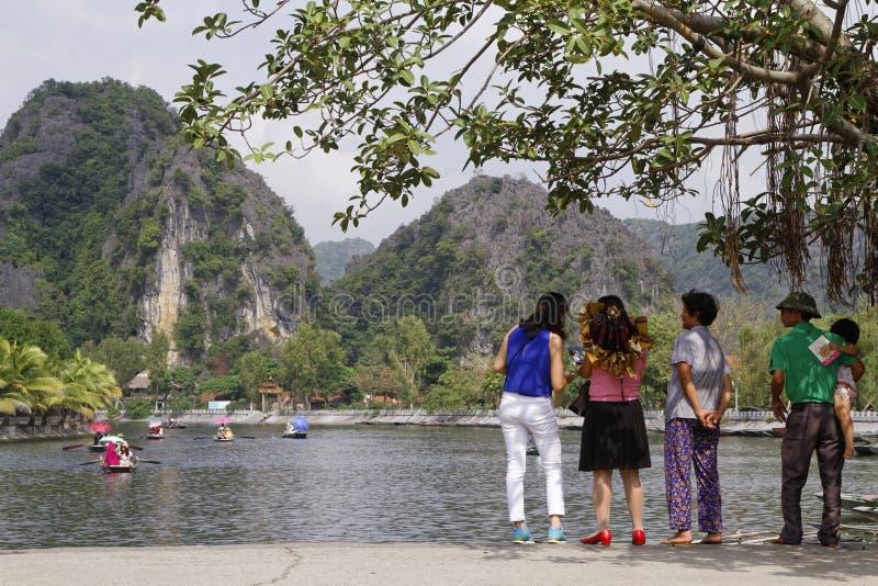 Begin van de excursie op Hong Long-rivier royalty-vrije stock fotografie