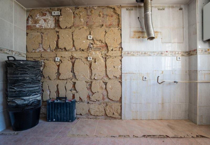 Beginnende Verbeteringen in de huiskeuken, brede hoek stock afbeelding